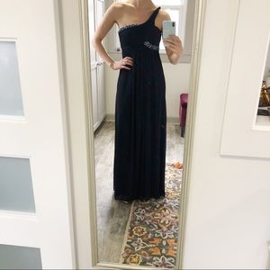 Like New Cache Navy Formal Gown with Beading